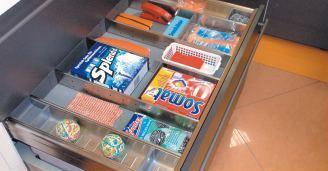 компактный шкаф под мойкой с органайзером
